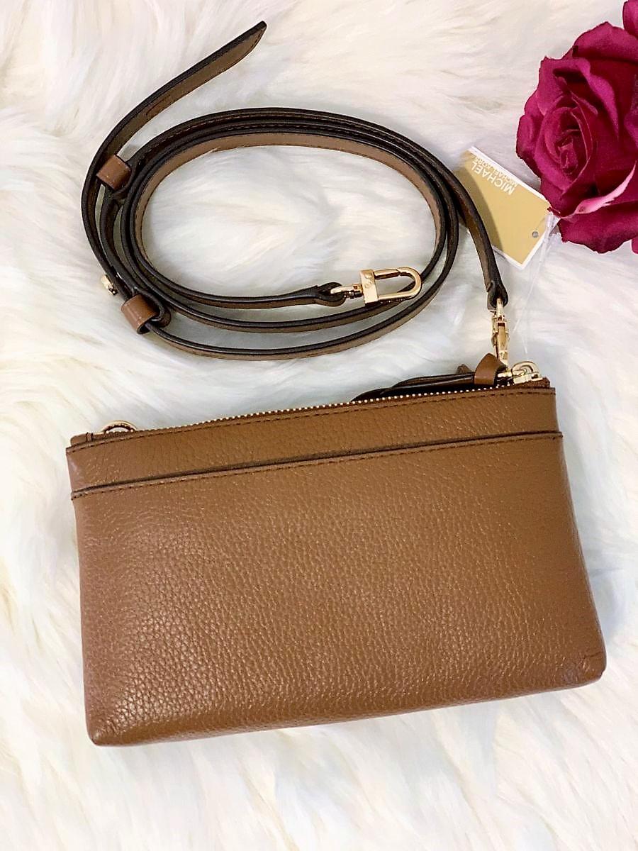 Dámska kabelka MICHAEL KORS Charm Medium Tab Double Zip Phone Crossbody Leather Brown